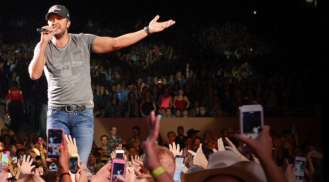 Modern country Songs | Luke Bryan Concert Causes Traffic Fiasco | Country Music Videos