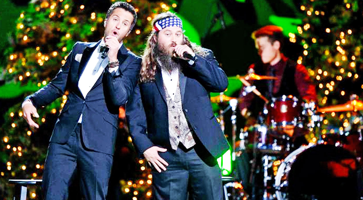 Willie robertson Songs   Luke Bryan Joins Willie Robertson For Country's Most Comical Christmas Carol   Country Music Videos