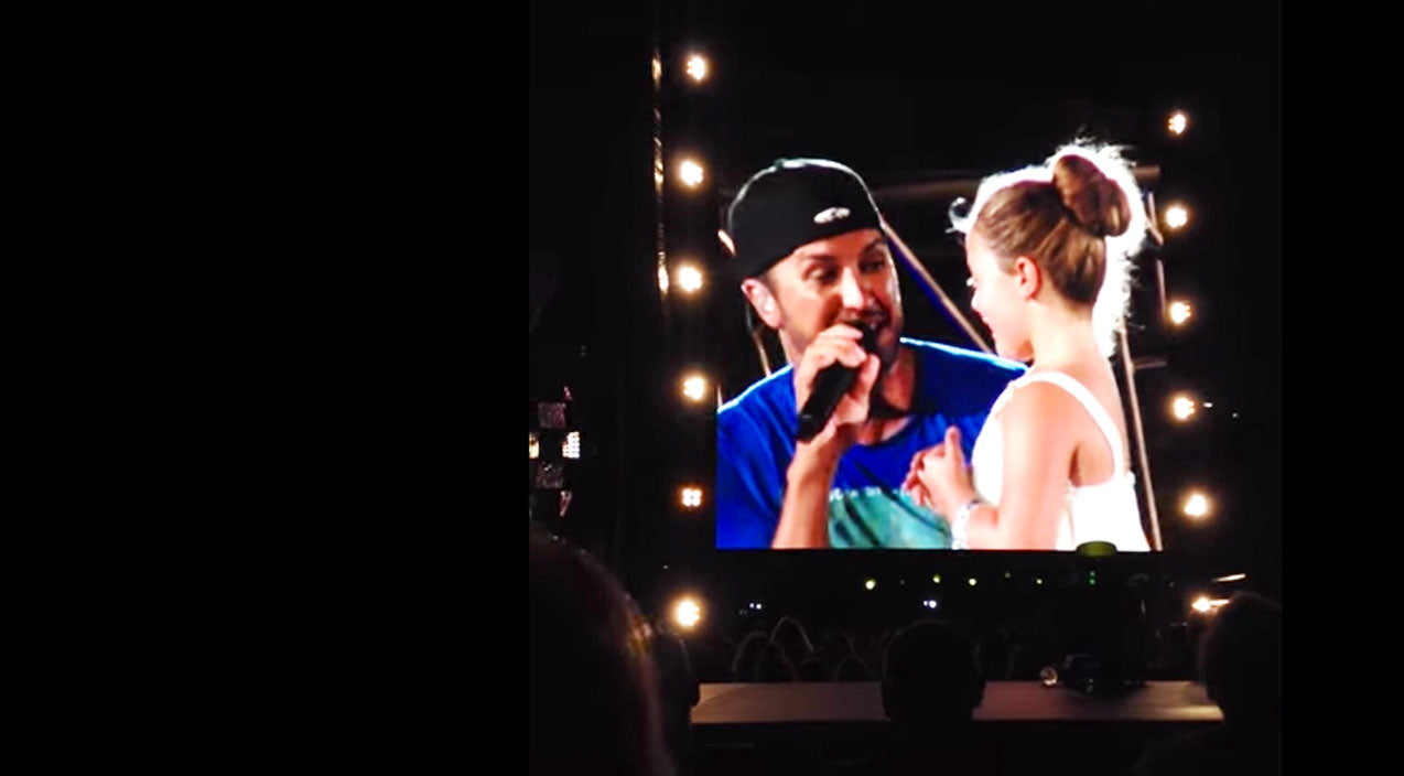 Luke bryan Songs | Adorable Little Girl Is STUNNED By Luke Bryan On Stage | Country Music Videos
