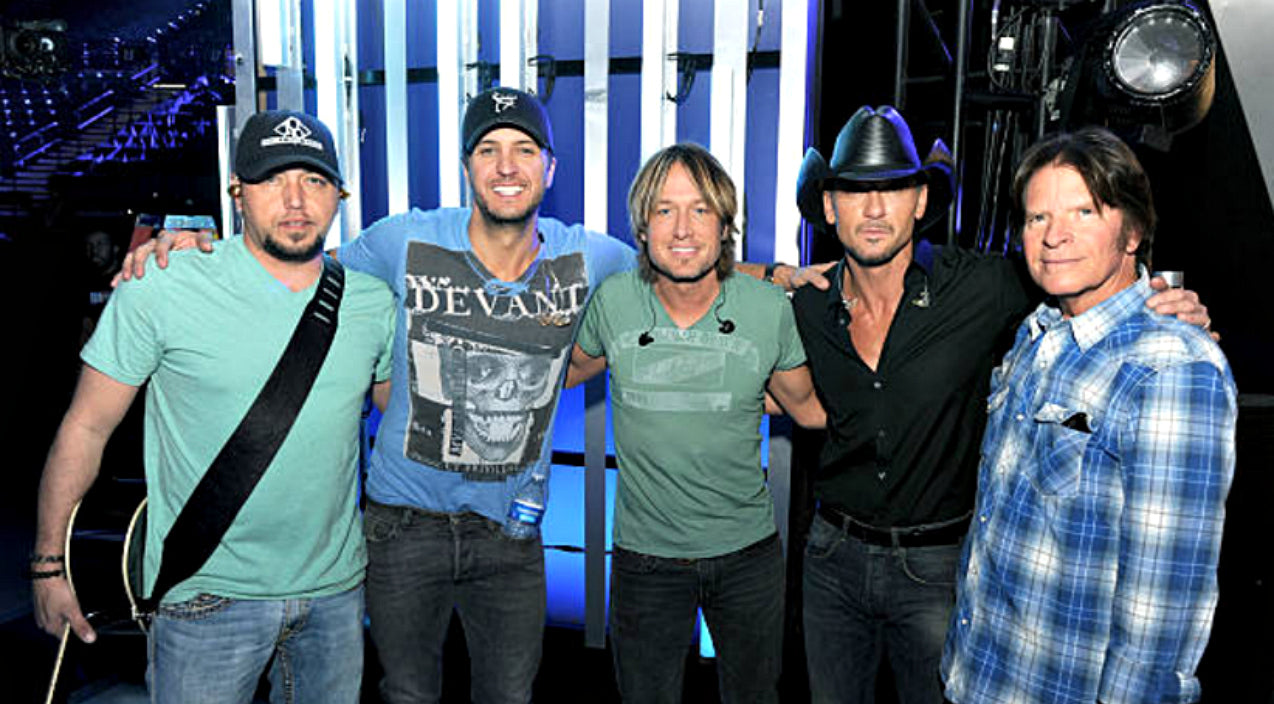 Luke bryan Songs | Country Hunk Reportedly Offered 'Idol' Judges Seat | Country Music Videos