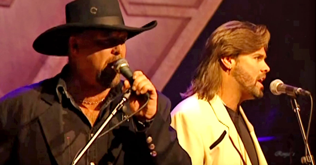 Waylon jennings Songs | FLASHBACK: Waylon's Final Concert Immortalized With Help From Montgomery Gentry | Country Music Videos