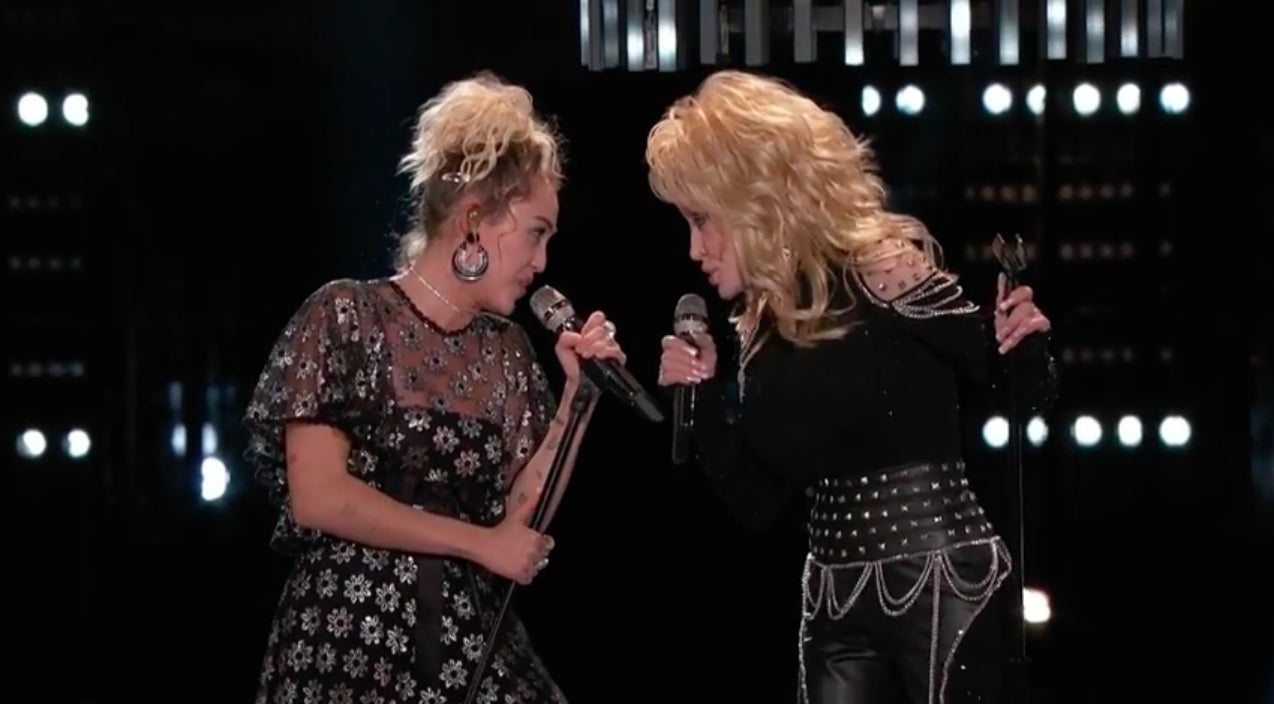 The voice Songs | Miley Cyrus And Pentatonix Join Dolly Parton For Epic A Cappella Performance of