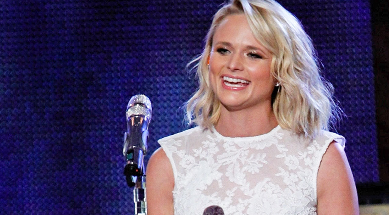 Miranda lambert Songs | Miranda Lambert's Hilarious Rendition Of The Classic 'Feliz Navidad' | Country Music Videos