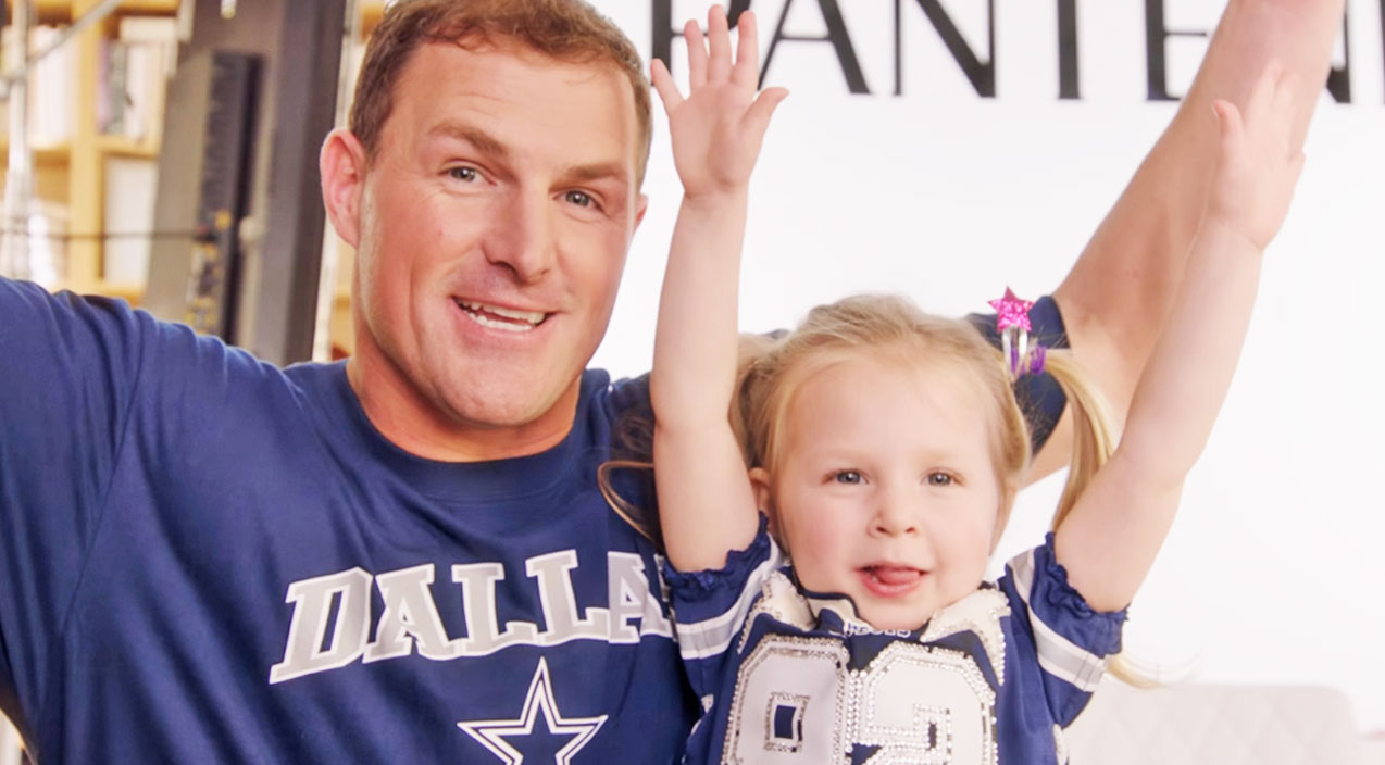 Dallas Cowboy Jason Whitten Hilariously Attempts To Style His Daughter's Hair | Country Music Videos