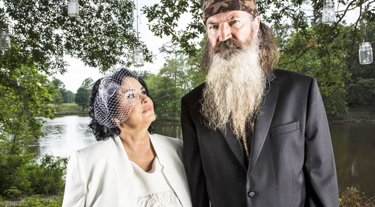 Witness Phil And Kay Robertson Renew Marriage Vows After Almost 50 Years | Country Music Videos