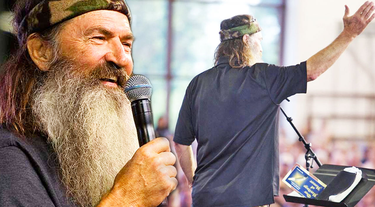 Phil Robertson Shares His Entertaining Outlook On Life | Country Music Videos