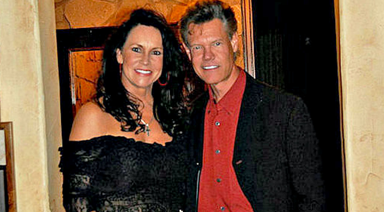 Randy travis Songs | 'Pull The Plug', Randy Travis' Wife Reveals What Doctors Told Her | Country Music Videos