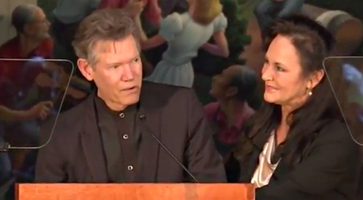 Randy travis Songs | Randy Travis Makes Rare Public Appearance To Accept Hall Of Fame Honor | Country Music Videos