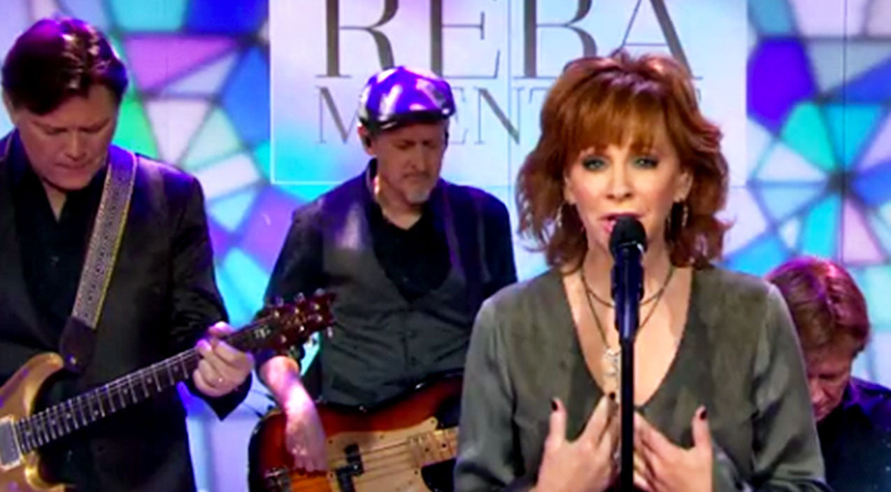 Reba mcentire Songs | Reba Brought Woman To Tears With Inspirational Gospel Song | Country Music Videos