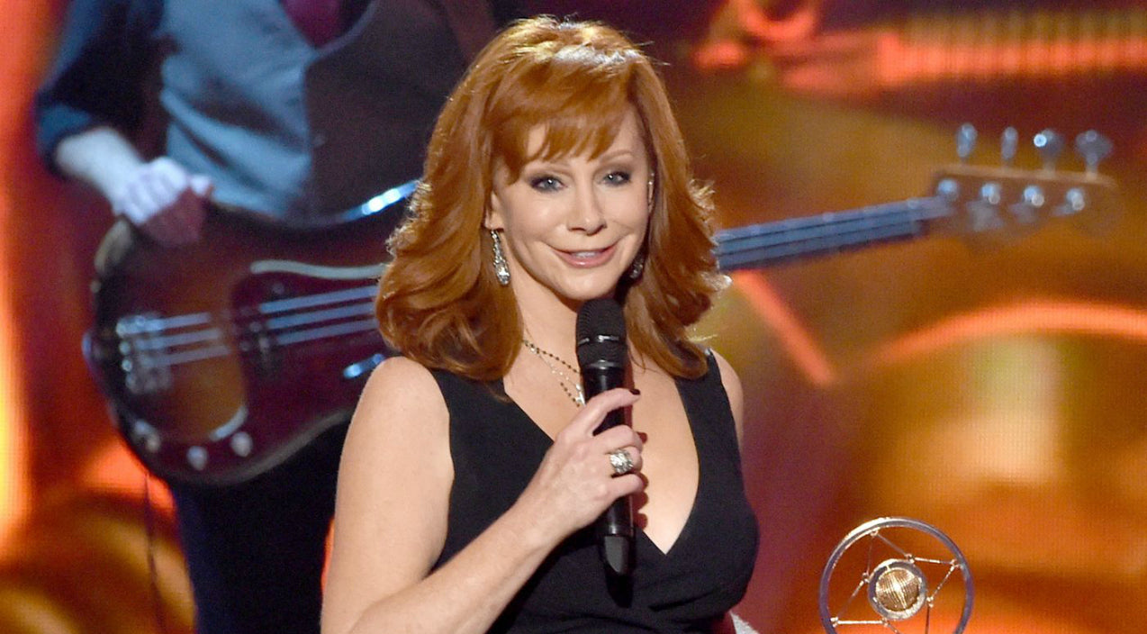 Reba mcentire Songs | Reba McEntire Has Dinner In Cancun With Someone Special | Country Music Videos
