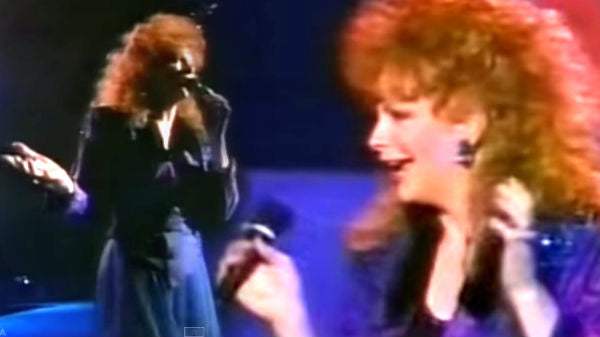 Reba mcentire Songs | Reba McEntire - How Blue (Live) | Country Music Videos