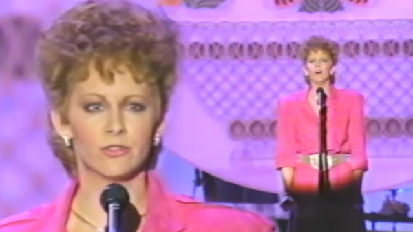 Reba mcentire Songs | Reba McEntire - Whoever's In New England (Country Music Awards 1986) (WATCH) | Country Music Videos