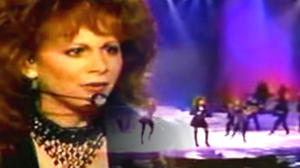 Reba mcentire Songs | Reba McEntire - You Keep Me Hangin' On (VIDEO) | Country Music Videos