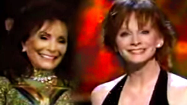 Reba mcentire Songs | Reba McEntire - You're Lookin' At Country (Live - Singing for Loretta Lynn) | Country Music Videos