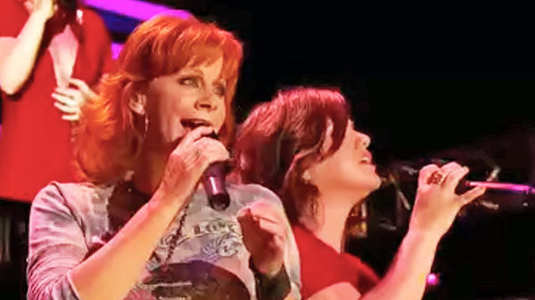 Reba mcentire Songs | Reba McEntire - Because of You CMA Performance (feat. Kelly Clarkson) (VIDEO) | Country Music Videos