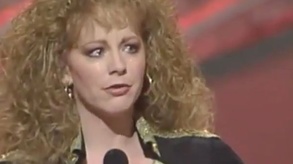Reba mcentire Songs | Reba McEntire Spills Emotions Out On Stage During Beautiful Acceptance Speech | Country Music Videos