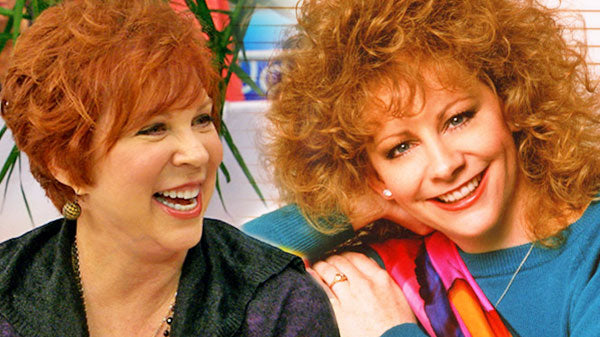 Reba mcentire Songs | Reba McEntire & Vicki Lawrence Dazzle With 'The Night the Lights Went Out In Georgia' (WATCH) | Country Music Videos