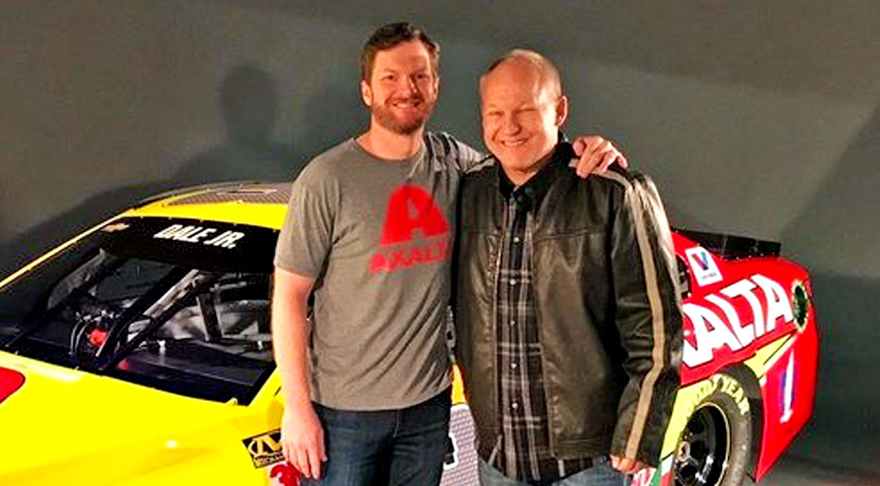 Nascar Songs | 'Heartbroken' NASCAR Artist Sees Life's Work Auctioned Off | Country Music Videos