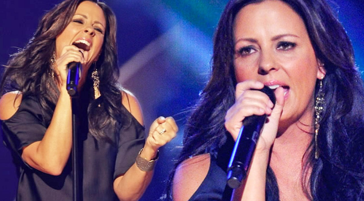 Sara evans Songs | Sara Evans - A Little Bit Stronger (Live) (VIDEO) | Country Music Videos