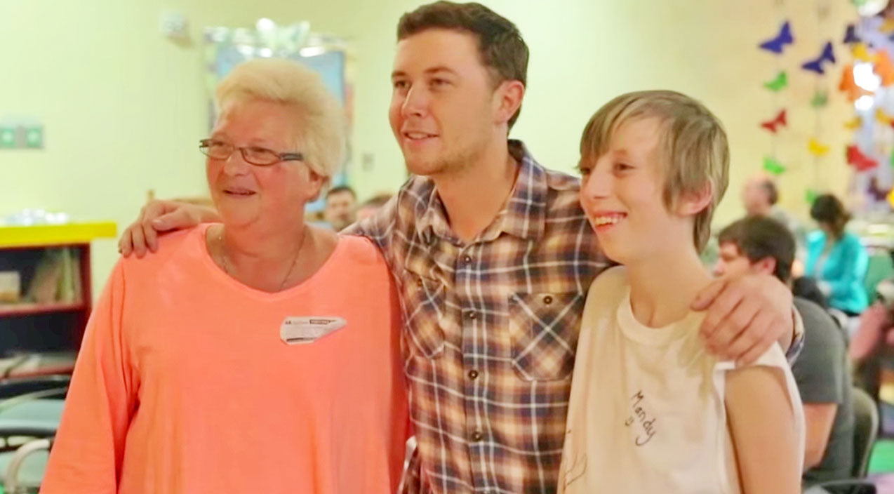 Scotty mccreery Songs | Scotty McCreery Shows Compassion During Visit To Children's Hospital In Nashville | Country Music Videos