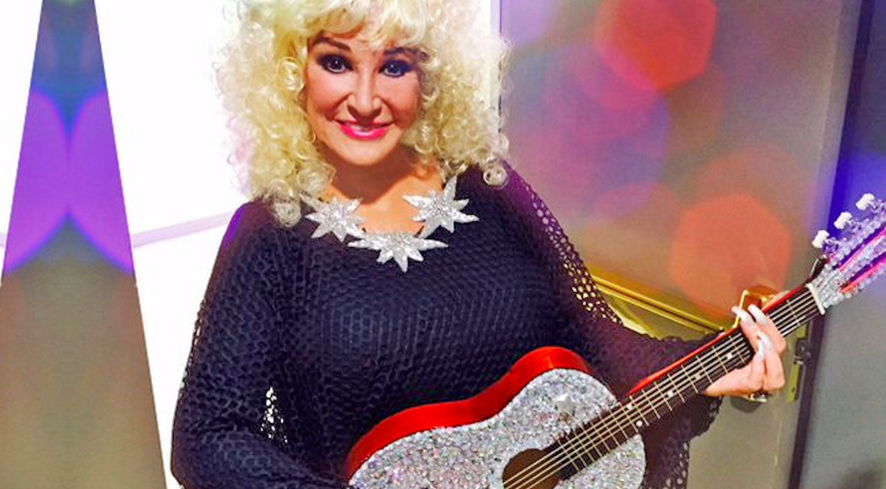 Tanya tucker Songs | Tanya Tucker Channels Her Inner Dolly Parton In Iconic Performance Of 'I Will Always Love You' | Country Music Videos