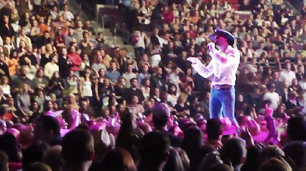 Tim mcgraw Songs | Tim McGraw - Things Change (Live Performance) | Country Music Videos