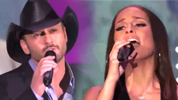 Tim mcgraw Songs | Tim McGraw and Alicia Keys - Happy Christmas (War Is Over) live | Country Music Videos