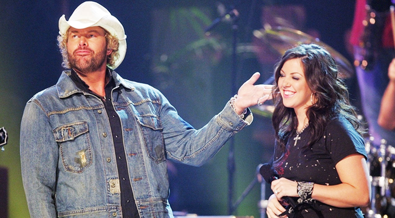 Toby keith Songs | Toby Keith Gets An Exciting Surprise From Daughter (VIDEO) | Country Music Videos