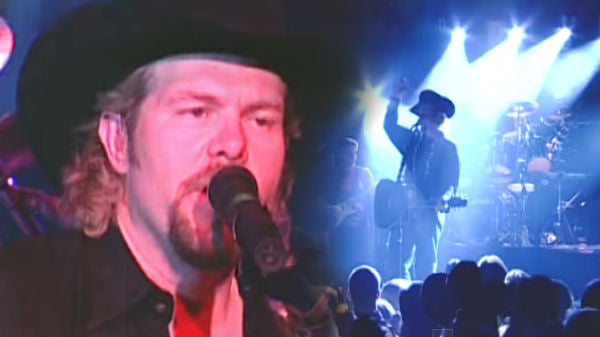 Toby keith Songs | Toby Keith - Country Comes To Town (Live) (VIDEO) | Country Music Videos