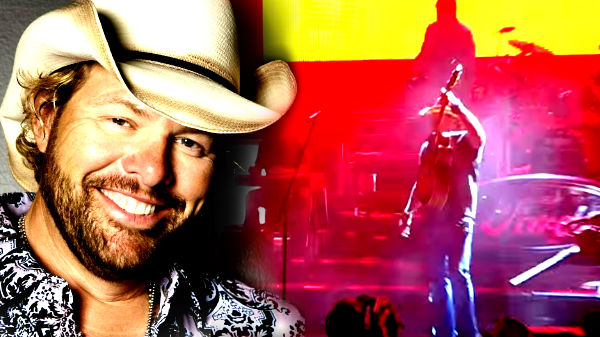 Toby keith Songs | Toby Keith - She's A Hottie (Live) (VIDEO) | Country Music Videos