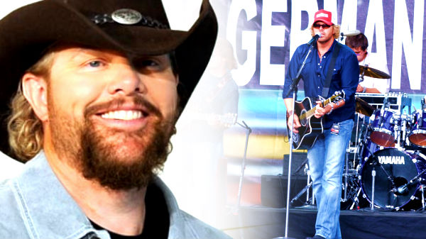 Toby keith Songs | Toby Keith - Stays In Mexico (Live) (WATCH) | Country Music Videos