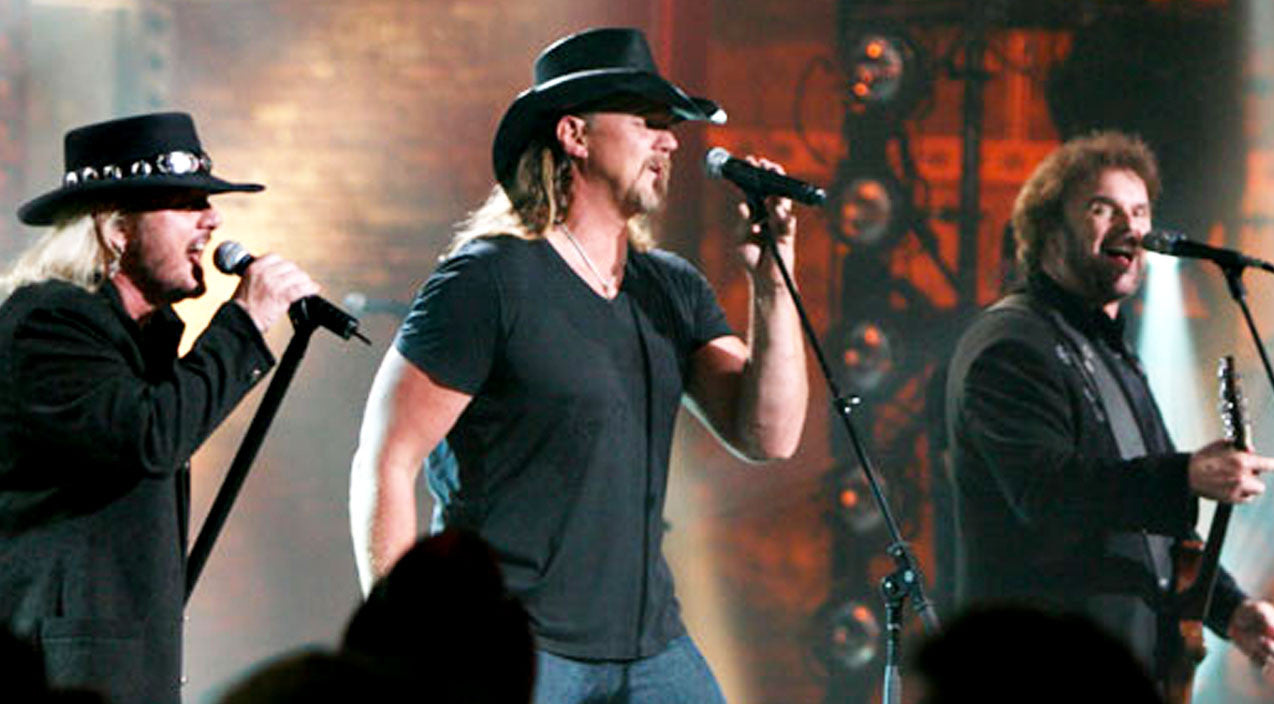 Trace adkins Songs | Trace Adkins & 38 Special's Haunting 'Muddy Water' Performance Will Bring You To Your Knees | Country Music Videos