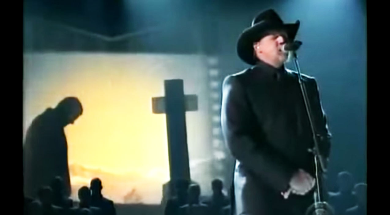 Trace adkins Songs | Trace Adkins Delivers Heart-Wrenching 'Til The Last Shot's Fired' For Wounded Warriors | Country Music Videos