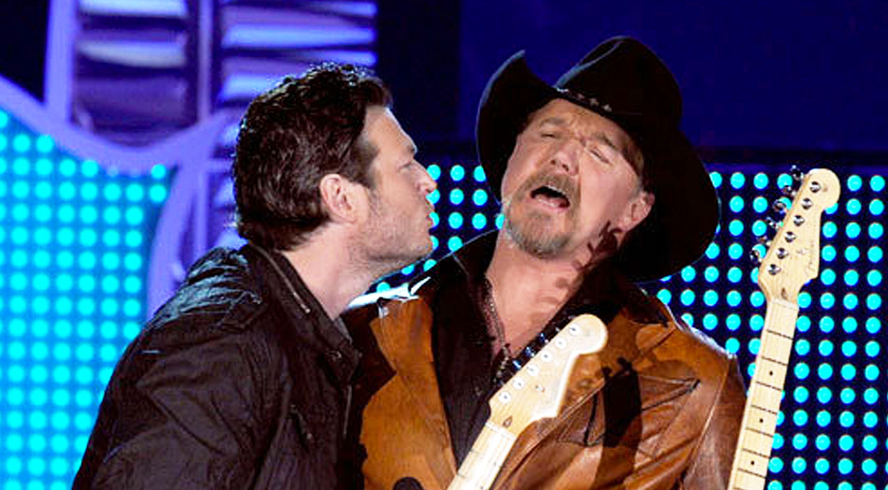 Trace adkins Songs | Trace Adkins Talks Blake Shelton: 'He Is Out Of Control' | Country Music Videos