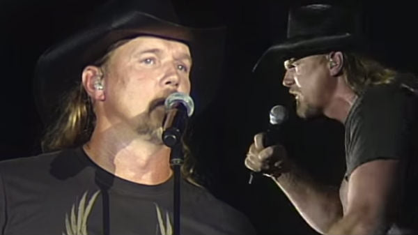 Trace Adkins - Fighting Words (Live) | Country Music Videos