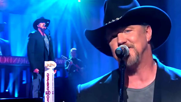Trace adkins Songs | Trace Adkins - Just Fishin' (Live at the Grand Ole Opry) | Country Music Videos