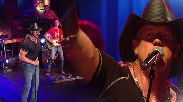 Trace adkins Songs   Trace Adkins - Maintenance Man (Live Country!) (WATCH)   Country Music Videos