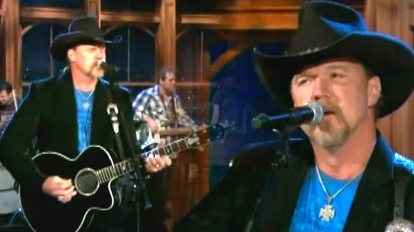 Trace adkins Songs | Trace Adkins - This Ain't No Love Song (Live on Ferguson) | Country Music Videos