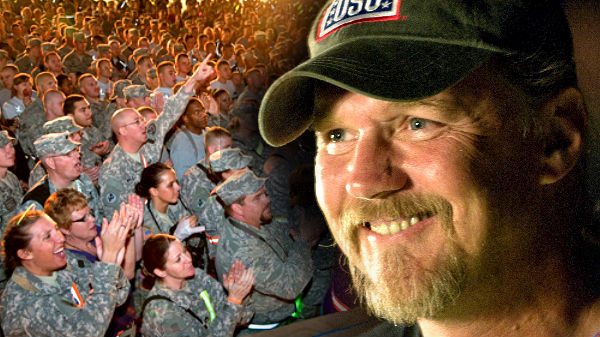 Trace adkins Songs | Trace Adkins Sings 'Honky Tonk Badonkadonk' For The Troops In Iraq (WATCH) | Country Music Videos