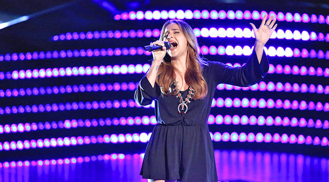 Former Child Actress Delivers Mind-Blowing Country Performance On 'The Voice' | Country Music Videos