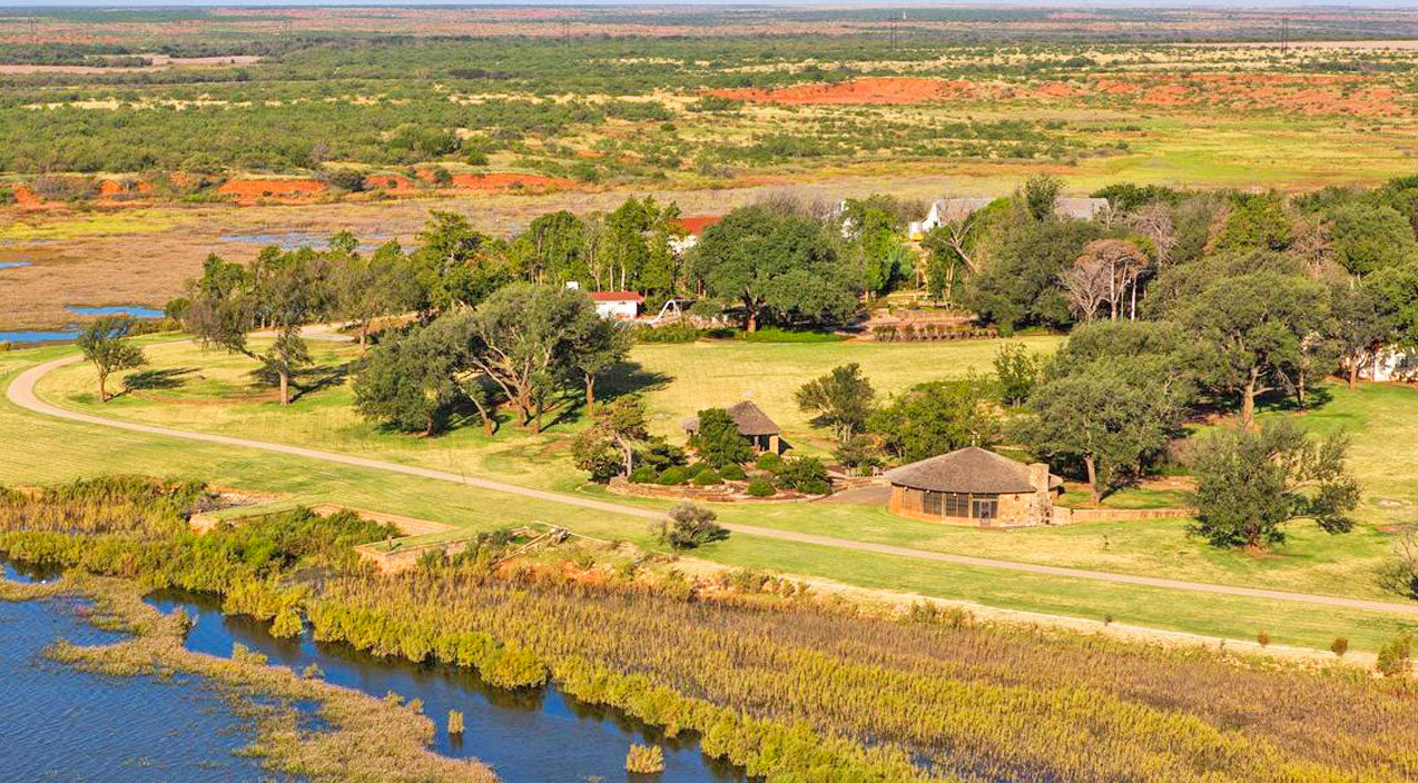 $725 Million Texas Ranch For Sale, Any Takers?!? | Country Music Videos