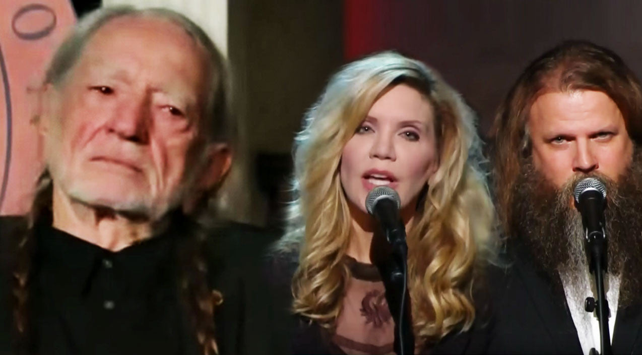 Willie nelson Songs | Willie Nelson Fights Back Tears As His Friends Serenade Him With 'Seven Spanish Angels' | Country Music Videos