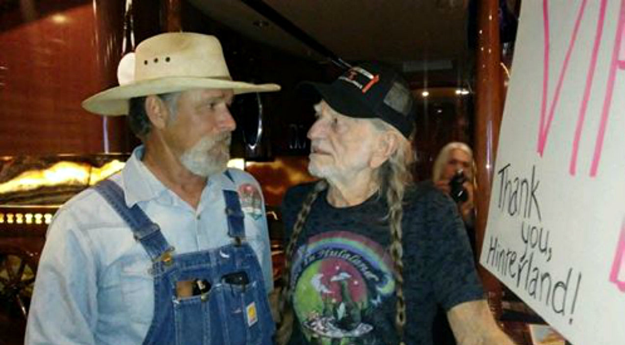 Willie nelson Songs | Family Of Cancer-Stricken Willie Nelson Fan Recalls Unforgettable Meeting | Country Music Videos