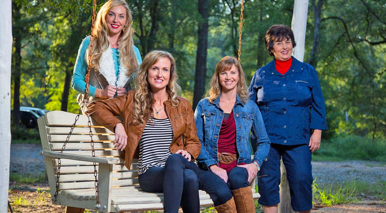 The Wives Of Duck Dynasty Might Surprise You! | Country Music Videos