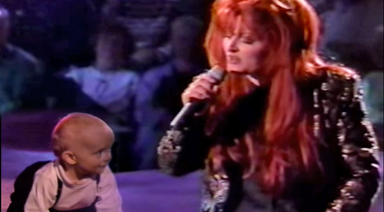 Wynonna judd Songs | Wynonna Judd Sweetly Serenades Her Baby Boy Elijah With 'My Angel Is Here' | Country Music Videos