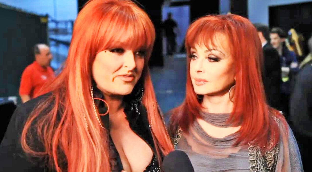 Wynonna judd Songs | Wynonna Judd Speaks Out On Claims She's 'Estranged' From Mom Naomi | Country Music Videos