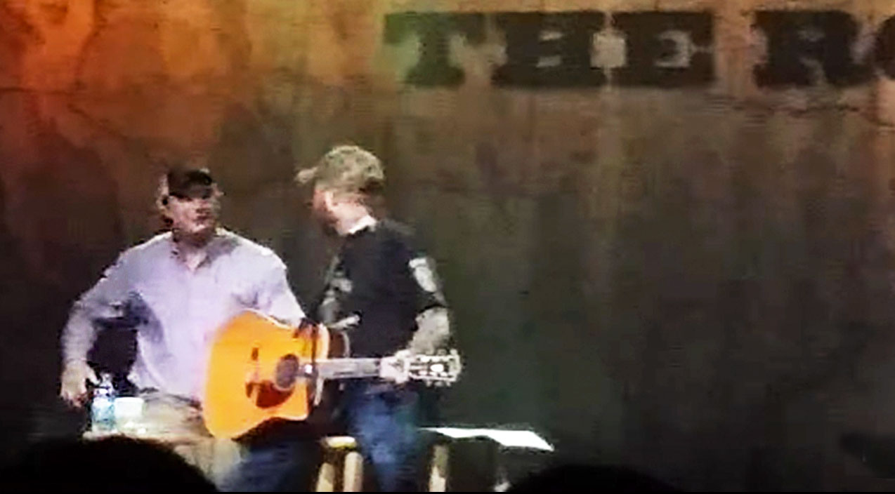 Modern country Songs | Angry Aaron Lewis Hits Trespassing Drunk Who Forces His Way On Stage | Country Music Videos