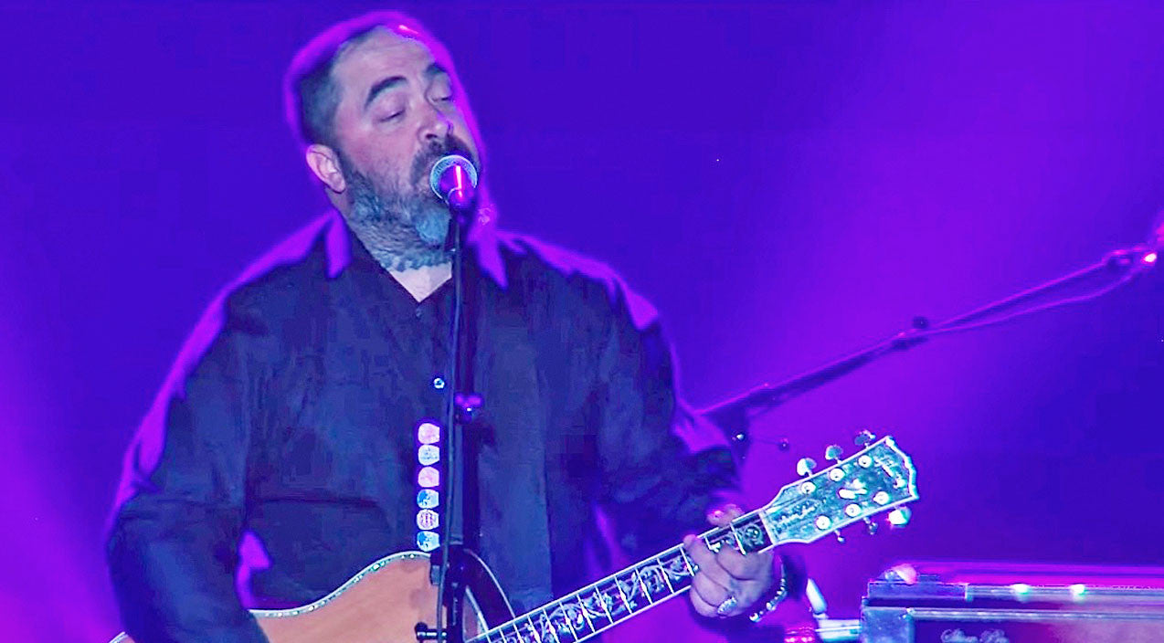 Modern country Songs | Aaron Lewis Speaks To The 'Lost And Lonely' In Powerful Live Performance | Country Music Videos
