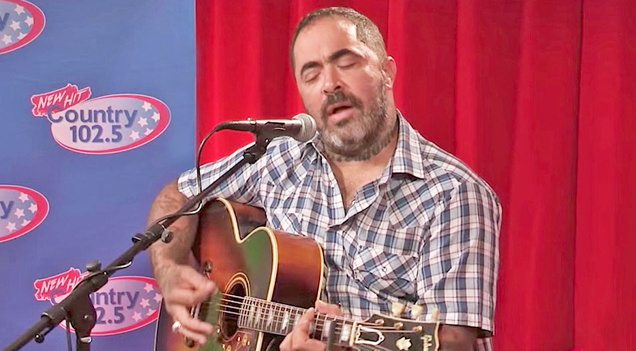 Modern country Songs | This Haunting Performance Of Aaron Lewis' 'Mama' Will Rip Your Heart To Shreds | Country Music Videos