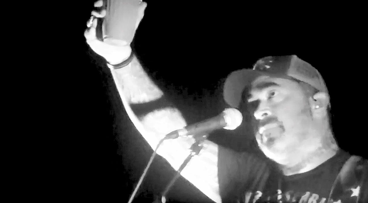 Modern country Songs | Raising His Glass, Aaron Lewis Dedicates Tragic Song 'Folded Flag' To Fallen Military Heroes | Country Music Videos